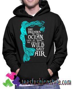 She dreams of the ocean Hoodie